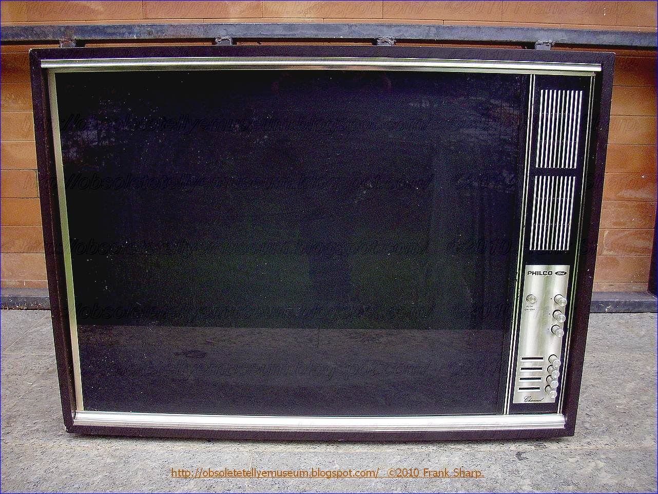 Obsolete Technology Tellye !: PHILCO (FORD) MOD. BLACK CLIFF YEAR 1967.