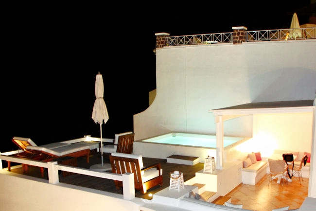 Aqua Luxury Suites (Imerovigli): Private deck of executive suite. Luxury hotels in Santorini. Honeymoon hotels in Santorini. Where to stay in Santorini.