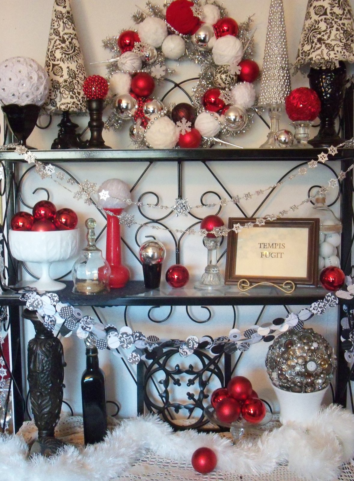 Black white christmas decorations for trees - Black And White And Red Christmas