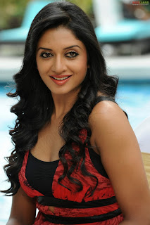 Vimala Raman Beautiful Pictureshoot Beach Side Low neck Top Spicy Pics