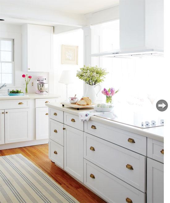 For the home on pinterest blanco y negro pink headboard - Cocinas estilo shabby chic ...