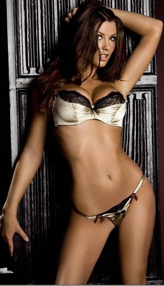 Alice Goodwin Hot Bikini