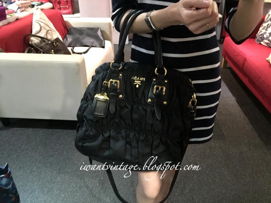 a4950c7637a4eb I Want Vintage   Vintage Designer Handbags: Prada BN1336 Gauffre ...