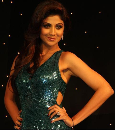 Shilpa Shetty Armpit Shows in Dark Blue Cut Out Gown