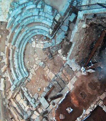 37 εκατ. € για πέντε αρχαία θέατρα