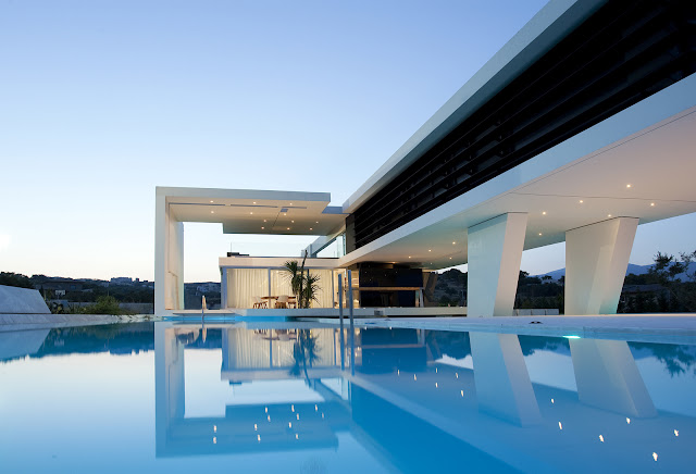 Picture of modern home as seen from the pool
