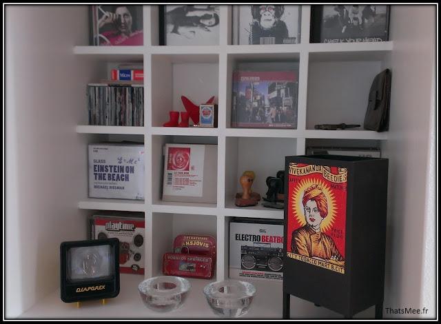 déco style loft 40m² meuble métier tiroir table Etsy 70s fauteuil club brocante, cd thèque home made, lampe bollywood vintage