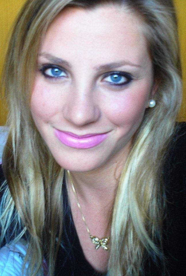 http://4.bp.blogspot.com/-eU-K4LIRDcQ/UVW7DDyIWlI/AAAAAAAAohY/z35Ap8Dz5gM/s1600/Fernanda+Colombo+Uliana.jpg