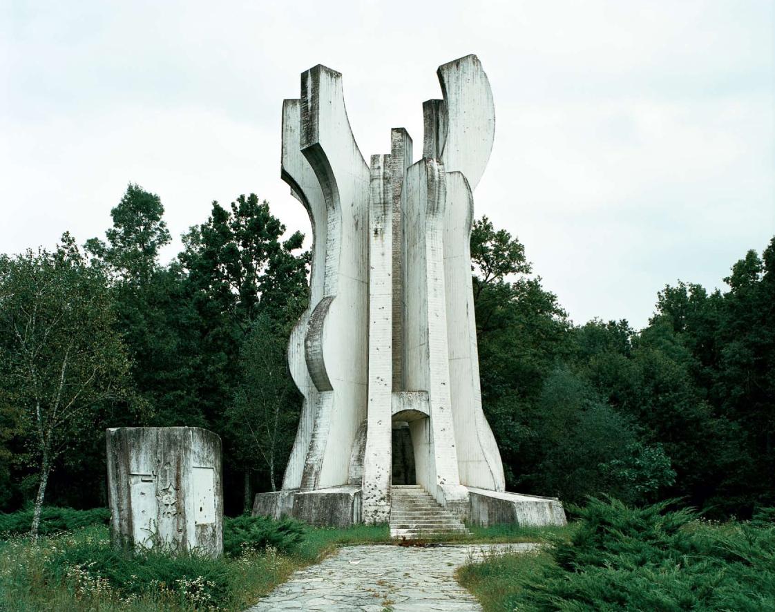 Construcciones socialistas de aspecto futurista Spomenik_23