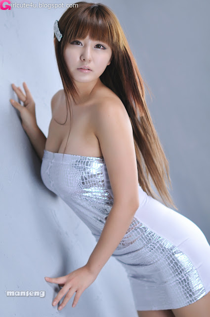 Ryu-Ji-Hye-Silver-Dress-02-very cute asian girl-girlcute4u.blogspot.com