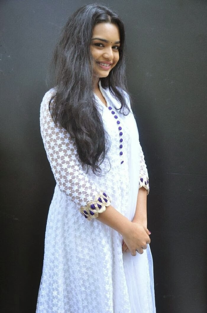 Yamini (Telugu Serial Actress) Photos in White Salwar Kameez at ...