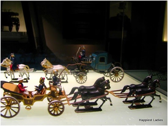 miniature horse carts- horse museum - chantilly
