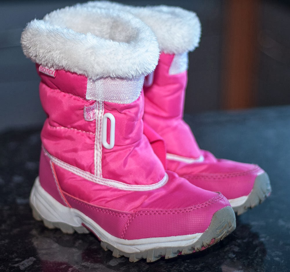 Best Sellers in Girls' Snow Boots #1. Femizee Girls Boys Warm Winter Flat Shoes Bailey Button Snow Boots(Toddler/Little Kid) out of 5 stars $ - $ #2. Northside Boys Girls Toddler/Little Kids/Big Kids Frosty Winter Snow Boot out of 5 stars 2,