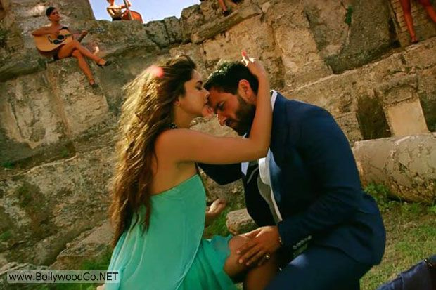 Race2+Latest+Movie+Stills+Photos++(5)