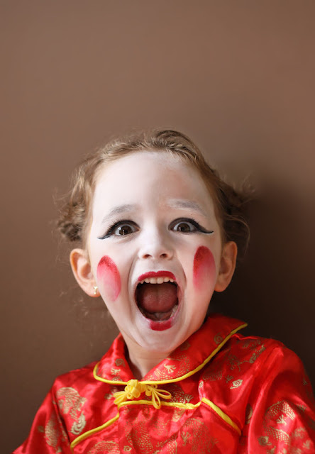 gallery full of children on his body paint