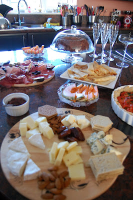 Nibbles at the jewellery viewing