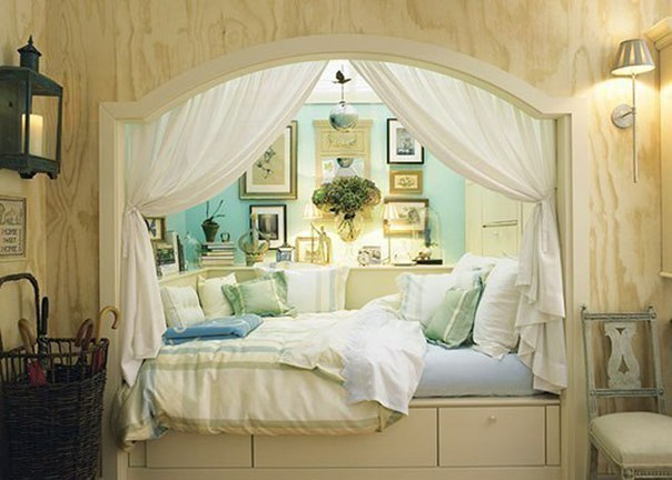 Bed in alcove home decorating ideas for Bed nook ideas