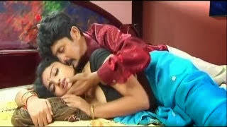 Watch Reshma B Grade Tamil Movie Please Wait Online
