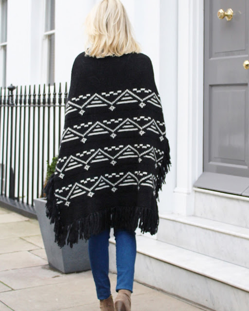 romy & roy poncho, poncho, cape, fringed poncho, london street style, 7forallmankind, ash gang boots, beige boots and skinny jeans, london fashion blogger