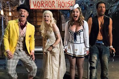 Los protagonistas de You´re the worst disfrazados y en una casa del terror muy auténtica