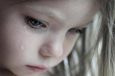 رسائل حزينه الدمـــــوع ليـــــست قــــــطرات بــــل هــــــي ڪــــلمات