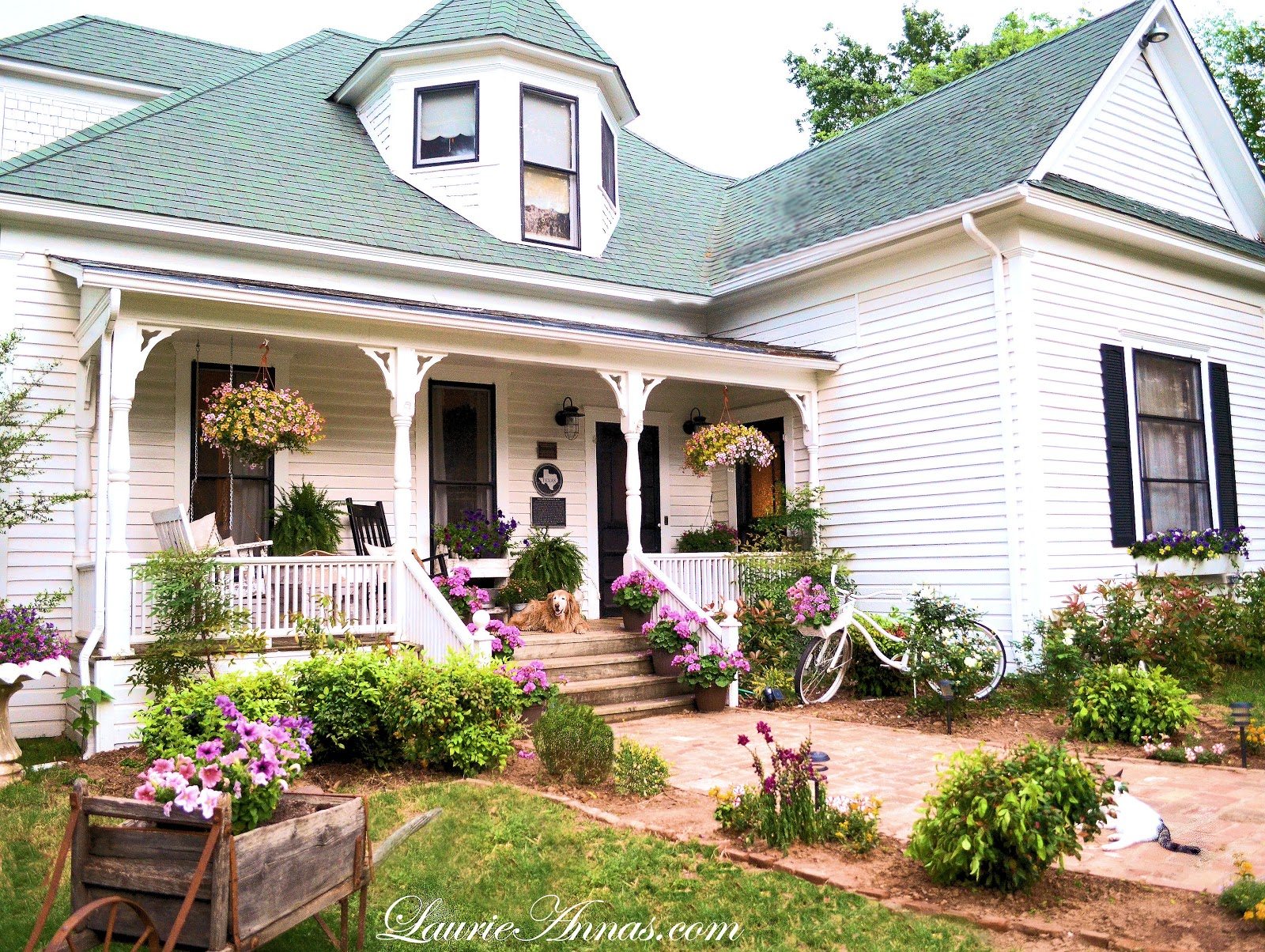 Laurieanna 39 s vintage home april showers may flowers and for Farmhouse front porch pictures