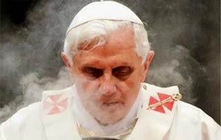 [Imagem: josef-ratzinger-pope-benedicT-EMERITUS.jpg]