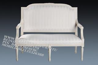 jual mebel jati jepara,sofa tamu jati cat duco,sofa jati jepara furniture mebel ukir jati jepara jual sofa tamu set ukir sofa tamu klasik set sofa tamu jati jepara sofa tamu antik sofa jepara mebel jati ukiran jepara SFTM-55002