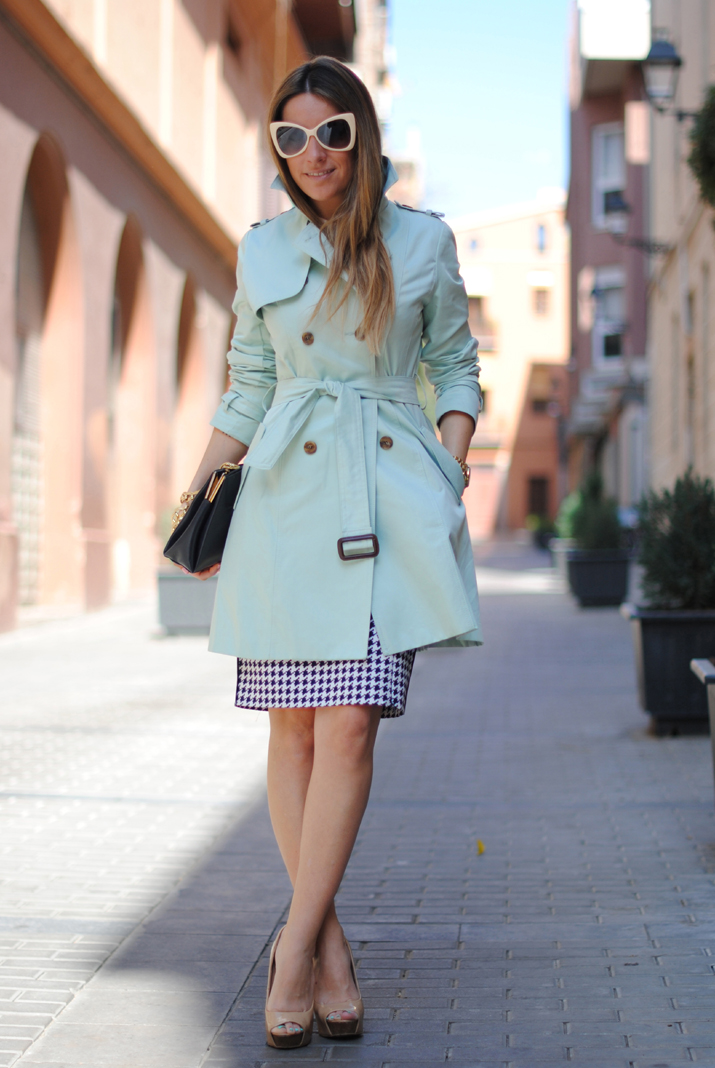 Queen's Wardrobe mint trench by the blogger Mónica Sors 4