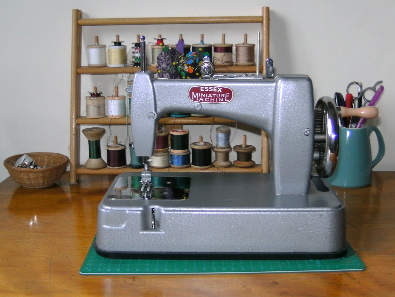 essex minature sewing machine