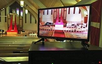 David Lavric 🔴 Biserica s-a mutat în case, dar nu ca la început, ci în fața ecranelor...