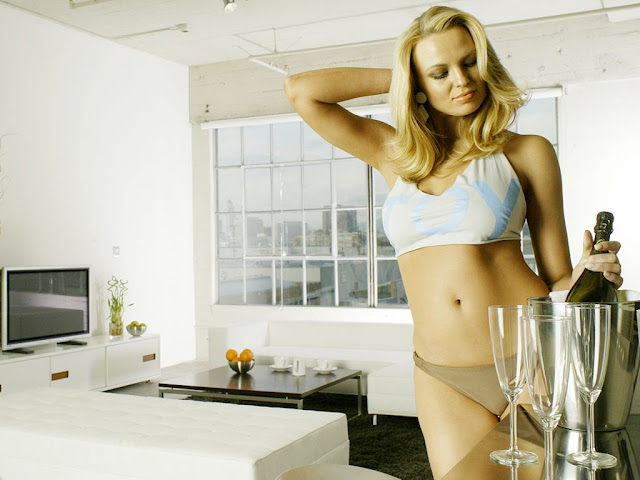 Irina Voronina Latest Hot Bikini Photos