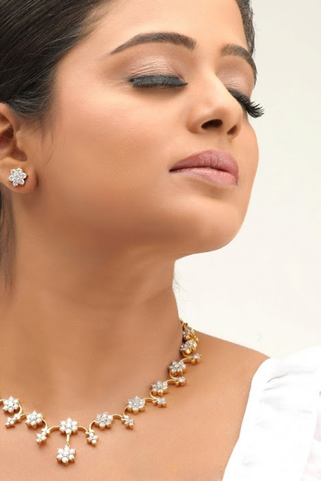 priyamani spicy unseen pics