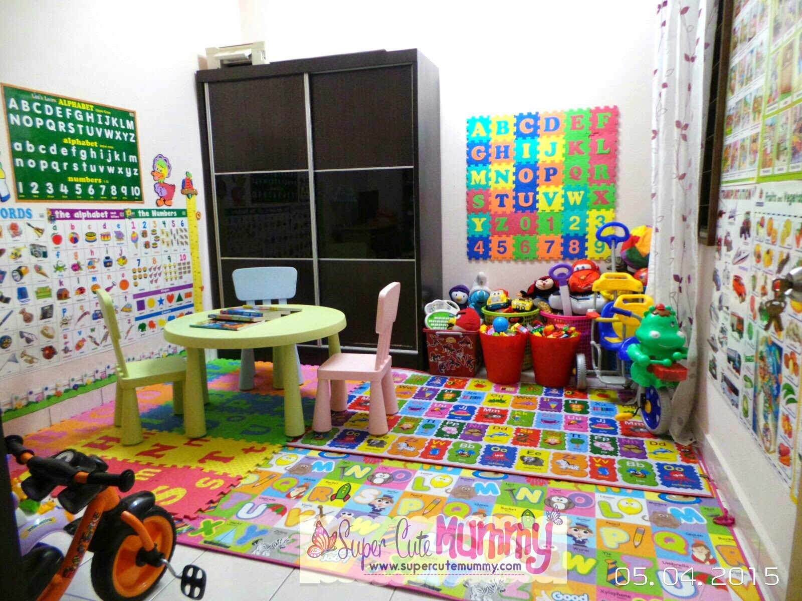 Yeayyyy inilah wajah baru bilik mainan anak anak aku yang aku ubah lebih kepada bilik belajar dan bilik mainan sebenarnya
