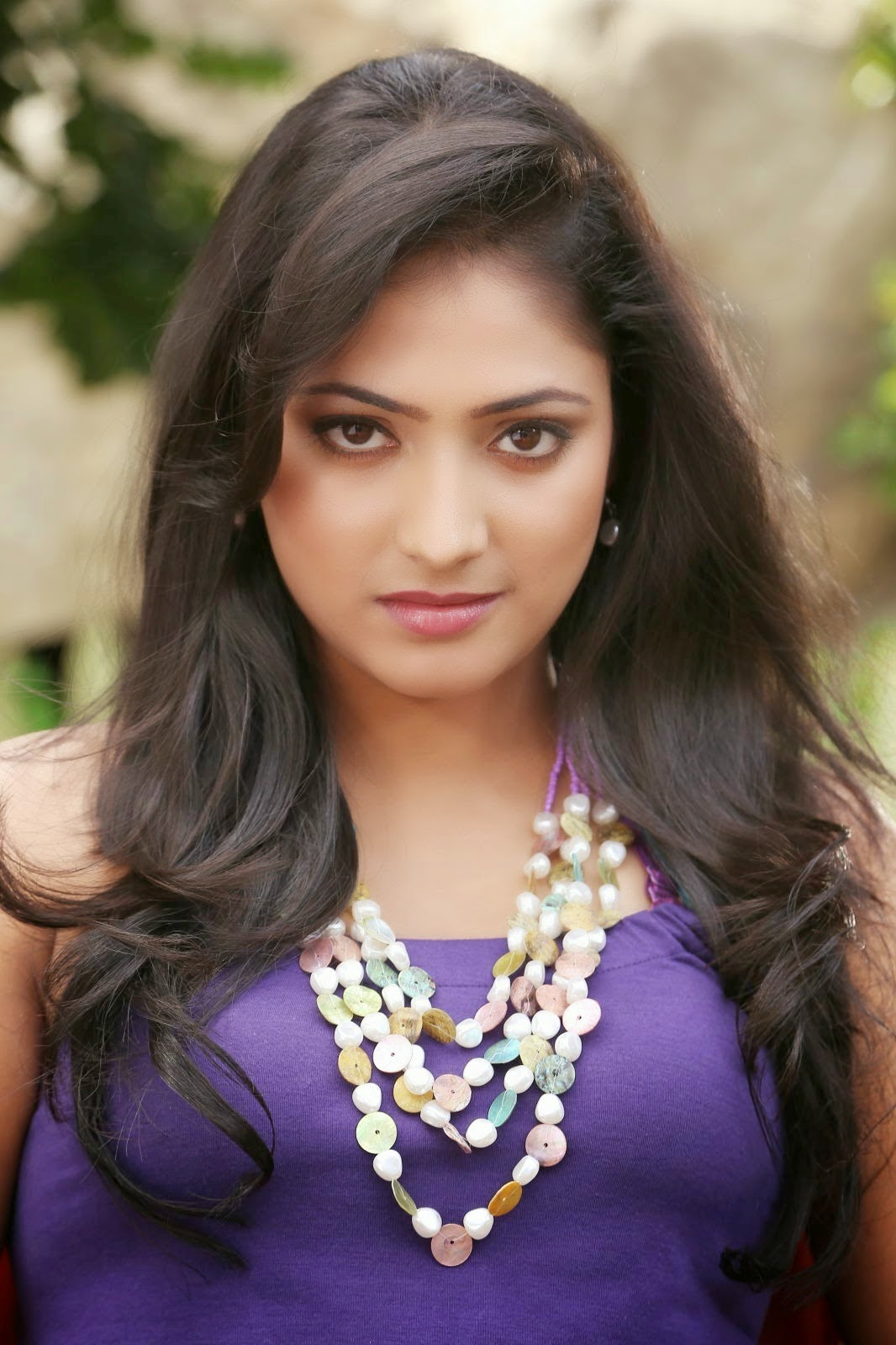 http://actresshdgalleryz.blogspot.in/2014/10/tollywood-actress-haripriya-latest.html