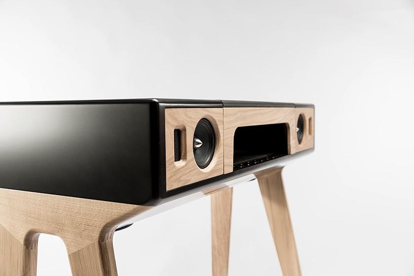 o gira discos dos tempos modernos and this is reality. Black Bedroom Furniture Sets. Home Design Ideas