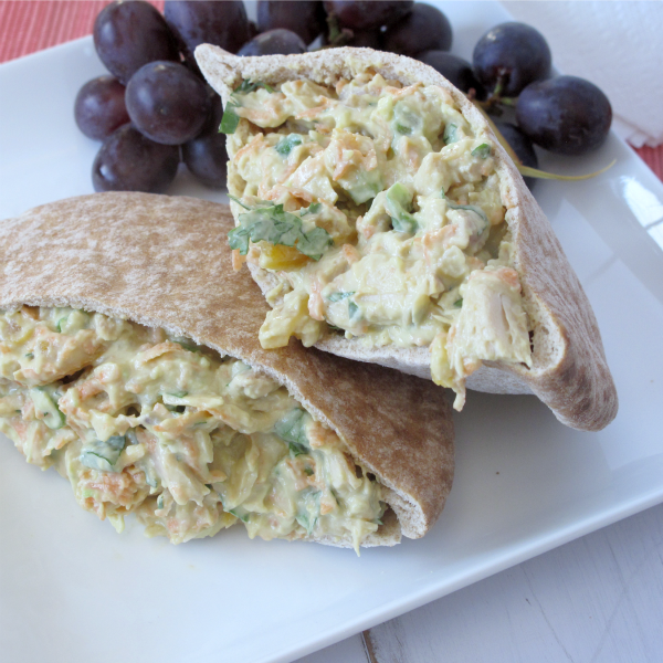guacamole chicken pitas with almonds and dried apricots