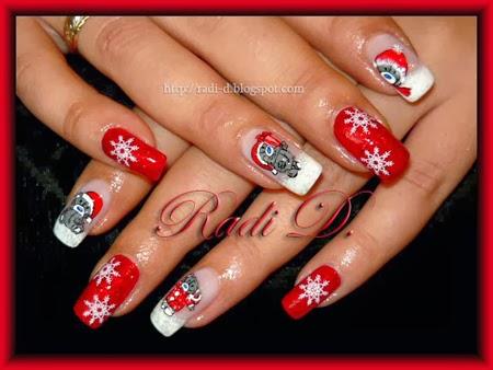 Коледен маникюр със снежинки