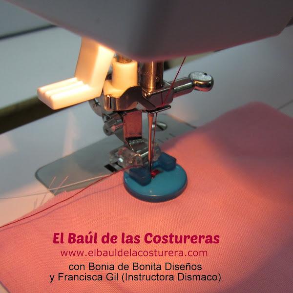 Máquina de coser Bernette Moscow 2 prensatela botón