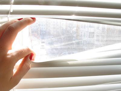 imagen mirando ventana