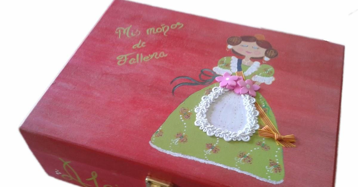 Regalamadera cajas decoradas a mano para los mo os de fallera - Cajas decoradas a mano ...
