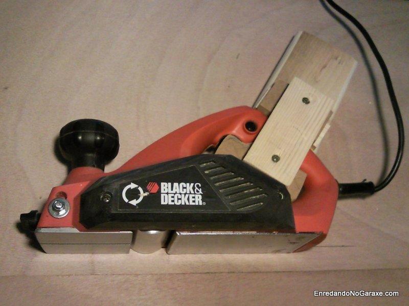 Como unir un cepillo eléctrico a una mesa, enredandonogaraxe.com