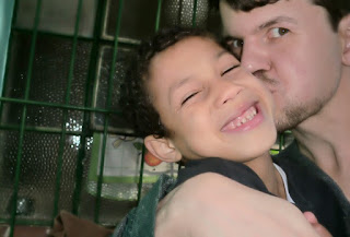 http://revistacrescer.globo.com/Voce-precisa-saber/noticia/2016/01/pai-solteiro-recebe-licenca-maternidade-apos-adotar-crianca-de-9-anos.html