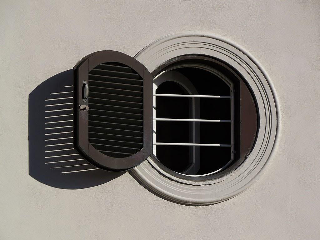 Livorno una foto al giorno finestra rotonda - Finestra ovale e finestra rotonda ...