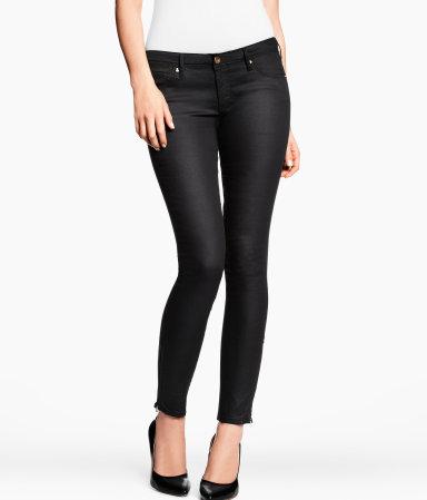 blog, moda, low cost, rebajas, saldos, chollos, moda a buen precio, fondo de armario, pantalones, negros, pitillo, H&M