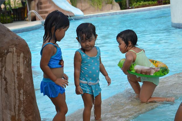 Sora, Hana & Kecil