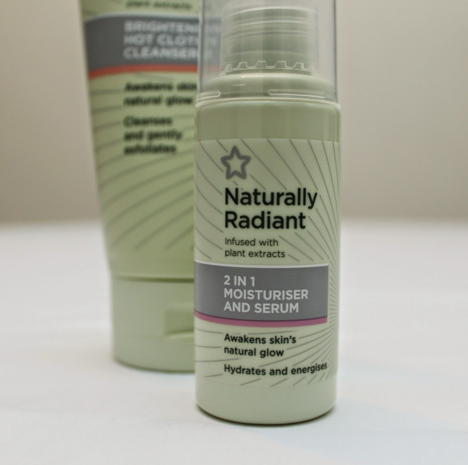 SUPERDRUGS  NATURALLY RADIANT 2 IN 1 MOISTURISER AND SERUM