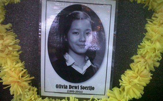 Berita Olivia Dewi - Kronologi Tabrakan Maut