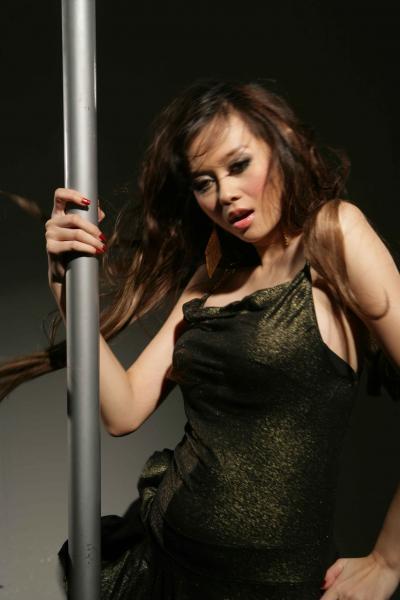 Foto+Seksi+Aura+Kasih+2 Kumpulan Foto Foto Hot Seksi Aura Kasih