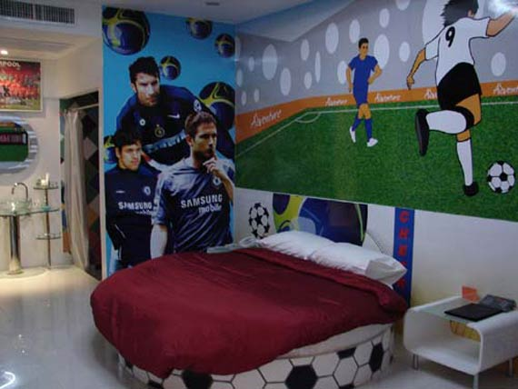 Interior design decorating ideas soccer or football theme for Boy football bedroom ideas